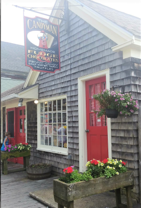 Downtown Kennebunkport shops