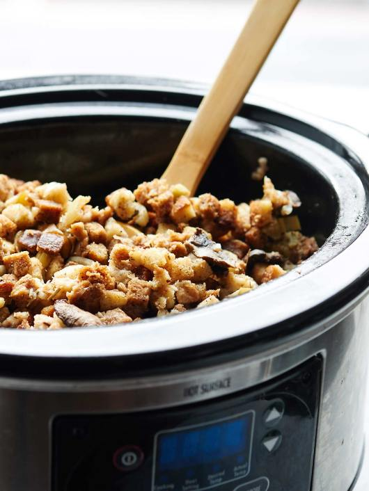 Crockpot-Vegetarian-Stuffing-Show-Me-the-Yummy-4@2x.jpg